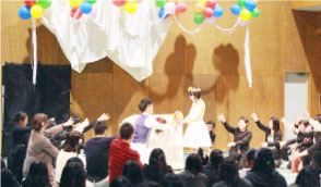 学生たちが企画から開催まで担当手づくり結婚式!
